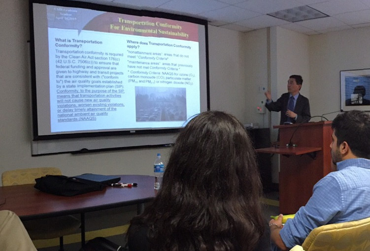 Full size image: Dr. Heng Wei presenting to UMD faculty and students.