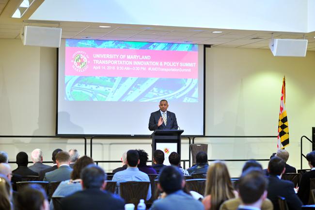 Full size image: Secretary Anthony Foxx gives speech at transportation summit