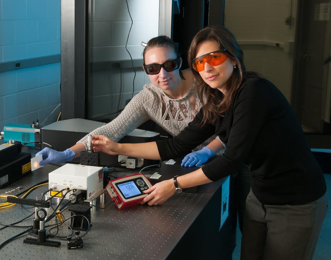 Tennyson (left) and Dr. Leite (right) in the IREAP lab. Photo credit: Earl Zubkoff