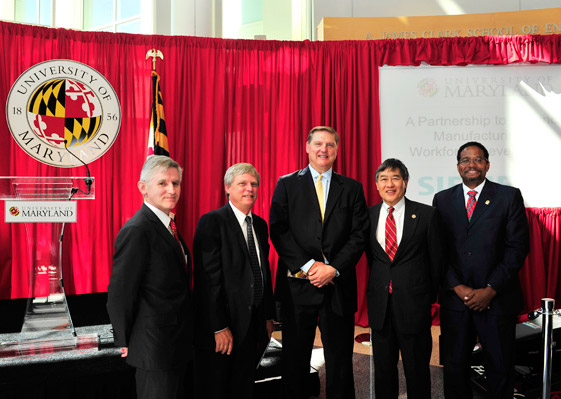 (From left to right): UMD Vice President and Chief Research Officer Dr. Patrick O'Shea, Siemens PLM Software President and CEO Chuck Grindstaff, President and CEO of Siemens USA Eric Spiegel, UMD President Wallace Loh, Clark School Dean Darryll Pines.