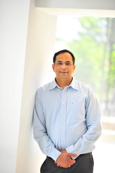 UPS Engineer Prasad Naraharishetty joins CEEE research team.