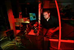 Grad student Nathan Siwak works on the nanoscale sensor project.