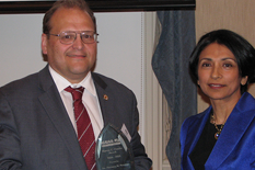 Dr. Norman Wereley and AIAA-NCS Chair Dr. Supriya Banerjee